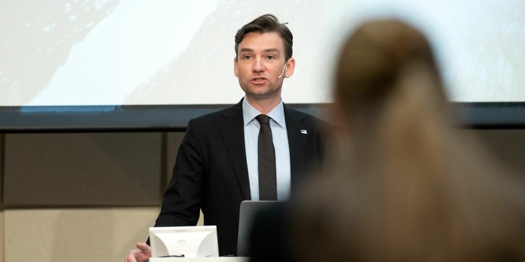 Forskning- og høyere utdanningsminister Henrik Asheim opplyser at Kunnskapsdepartementets nye strategi etter planen skal legges frem neste vår.