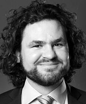 IT-advokat Kirill Miazine er en av fire privatpersoner som står bak klagen.