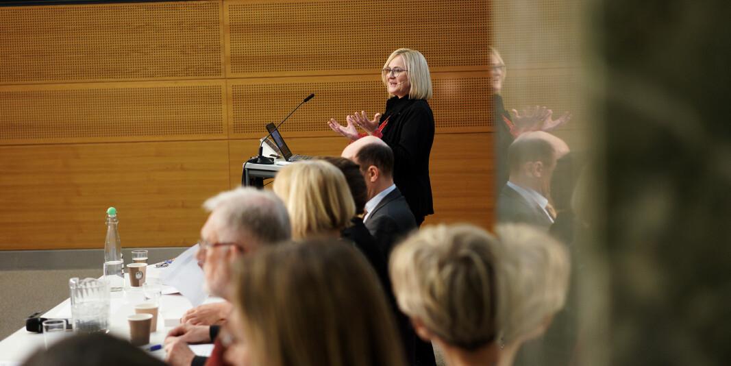 Innleggsforfatterne roper varsku om kapittel 21 i Aune-utvalgets forslag til ny lov om universiteter og høgskoler. Her er utvalgsleder Helga Aune fra fremleggingen i februar i år.