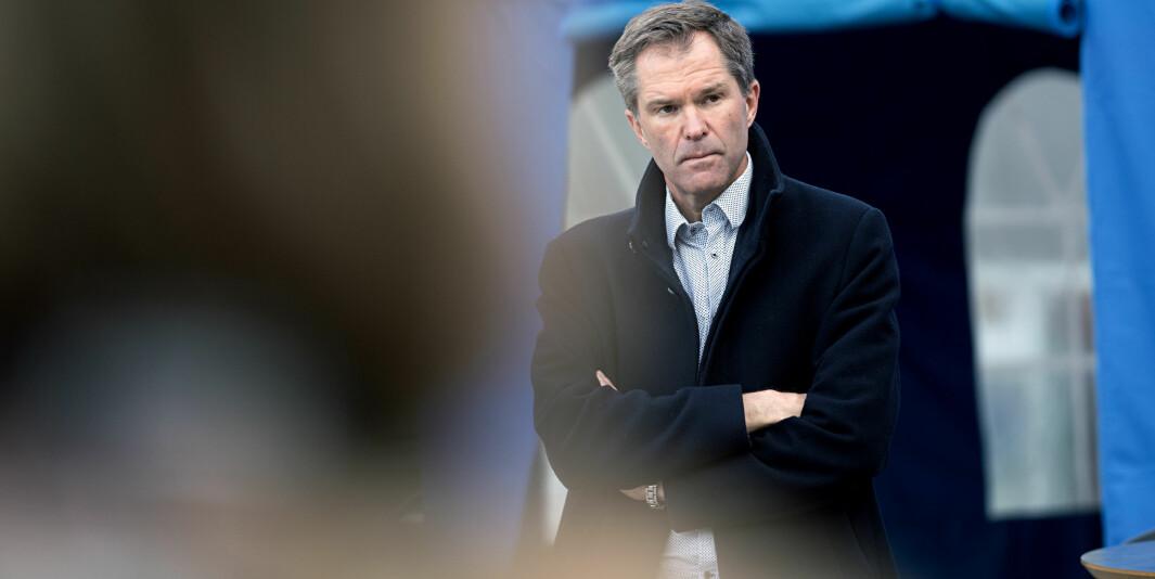 — En splittelse i flere forskningsråd vil ikke gi mer ressurser til forskningen, meiner John-Arne Røttingen, adm. dir. i Forskingsrådet. Her utenfor Rikshospitalet i mai 2020.