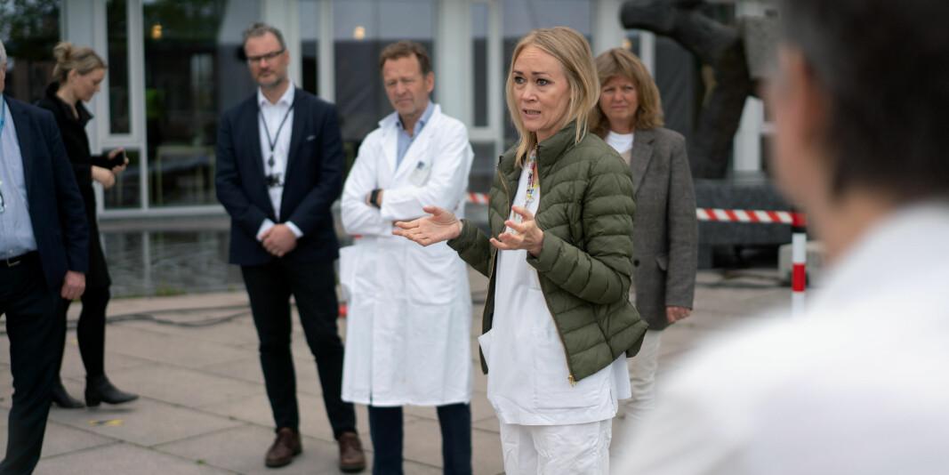 Intensivsjukepleiar, postdoktor og førsteamanuensis, Kristin Hofsø, er leiar for eitt av prosjekta som får tildelt forskingsmidlar i dag. Ho skal forske på dei som overlever Covid-19 og seinplagene dei eventuelt måtte møte, både fysiske og psykiske.