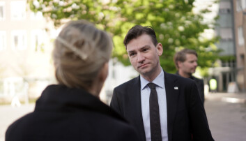 Forskning- og høyere utdanningsminister, Henrik Asheim, applauderer Nokut for innsatsen med å avdekke flere lovbrudd.