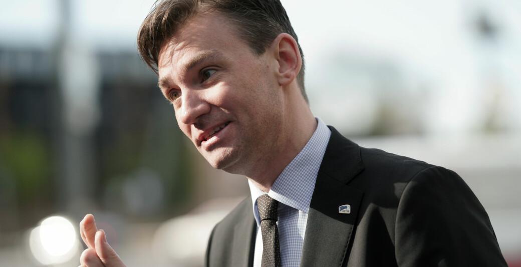 Henrik Asheim, forskings- og høgare utdanningsminister for Høgre lovar å ta tak i fordelinga mellom nynorsk og bokmål både på universitet og høgskular og i eige departement.