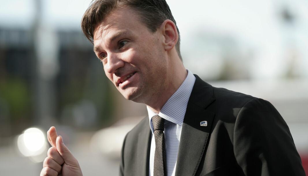 Henrik Asheim, forskning- og høyere utdanningsminister for Høyre. Her utenfor Rikshospitalet i mai 2020.