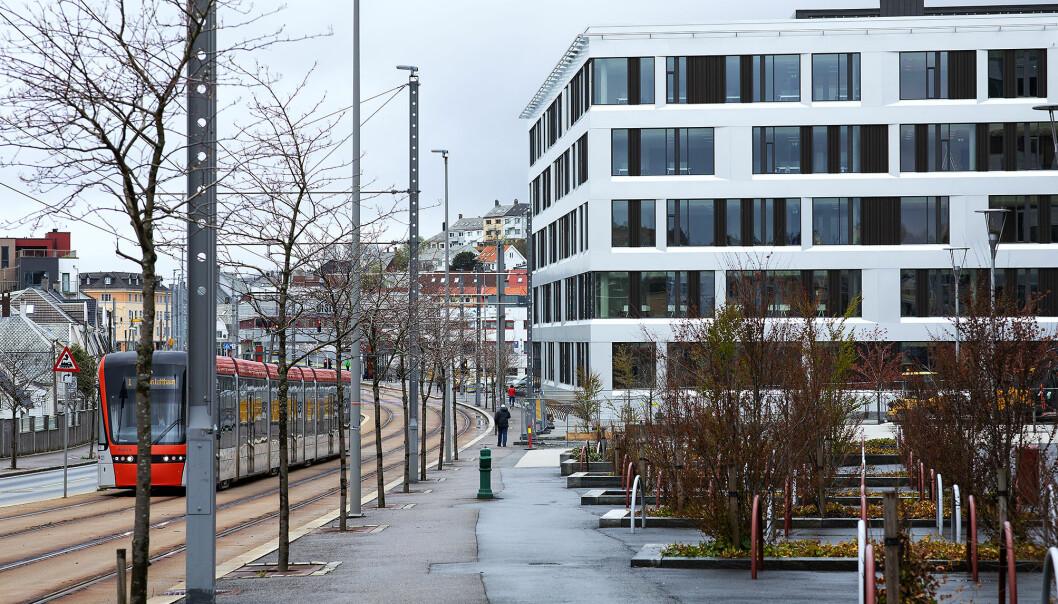 Høgskulen på Vestlandet flytta til Kronstad i 2017. Bybanen går rett forbi. 9 000 studentar får studiestaden sin her når bygget Kronstad II no er ferdig.