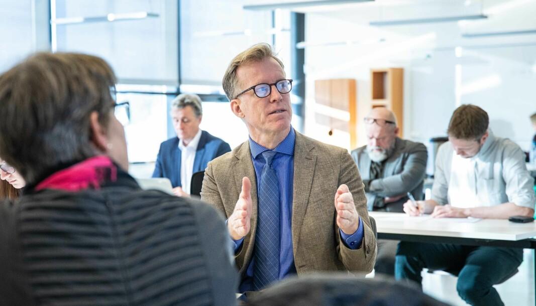 Rektor Curt Rice får kritikk fra styret for sitt arbeid med å gjennomføre styrets vedtak om å etablere en fullverdig campus på Romerike. Her fra et styremøte på Kjeller i februar i år.