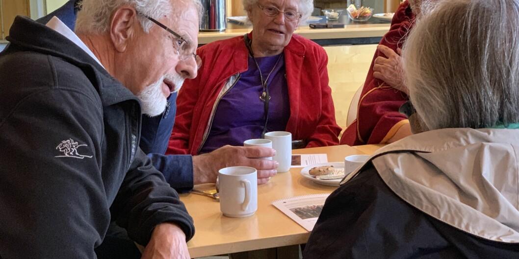 Det blir mange møter, noen over en kaffekopp, andre ganger store fellesmøter, skriver kommisjonens leder Dagfinn Høybråten.