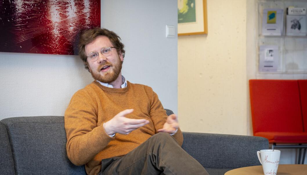 Etter to månader med strykebrettet som skrivebord, synest doktorgradsstipendiat Øyvind Wiik Halvorsen at han kanskje kan koste på seg å kalle retur til kontoret for nødvendig. Om tre månader skal avhandlinga i pedagogikk leverast.