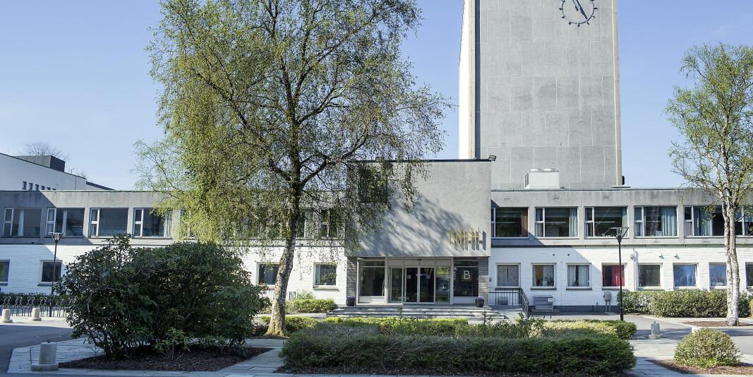 Totalt 135 studenter er bekreftet koronasmittet siden semesterstart ved Norges handelshøyskole (NHH).