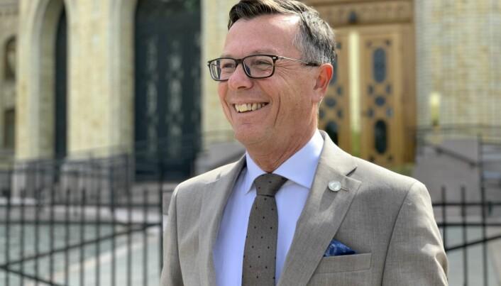 Det kjem snart ein sommar, der UiB-rektor Dag Rune Olsen seier han mellom anna kan tenka på om han vil søkja ei ny rektorstilling i Bergen. Søknadsfristen er 1. august.