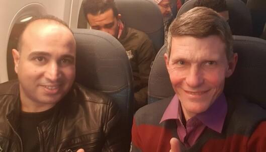 Advokatene Ahmed Ghazy og Mahmoud Shaaban på vei til prisutdeling i De forente arabiske emirater.