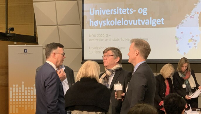 Rektor ved Universitetet i Bergen, Dag Rune Olsen (fra venstre), kan ikke skryte av at han følger lov om målbruk i staten. Men rektorene ved Universitetet i Oslo og ved OsloMet, Svein Stølen og Curt Rice, er mye lenger unna.