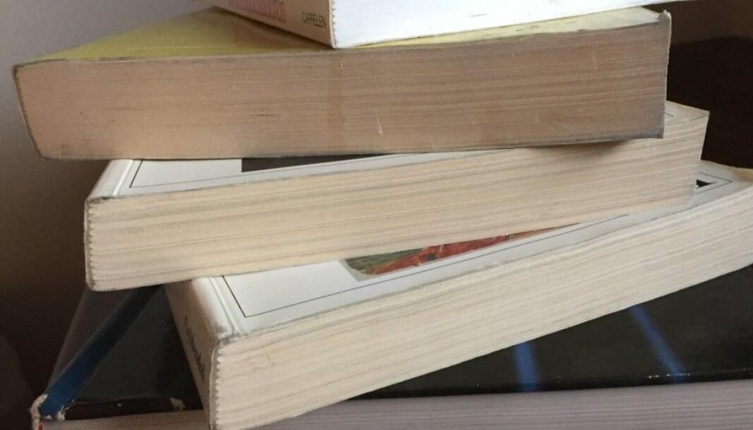 Hva vil egentlig studentene helst ha, papirbøker eller e-bøker?