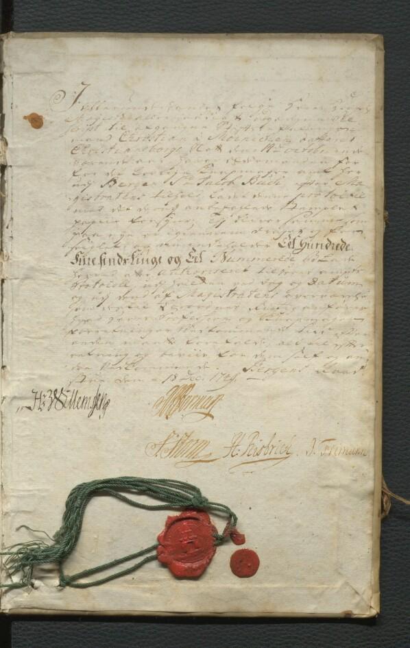 Siste side av forhandlingsprotokollen til Knappmakerlauget som bevarer dokumentet som vitner om forsegling av de «Eet hundrede fiiresindstiuge og Eet Nummerede Blade» av dokumentet.