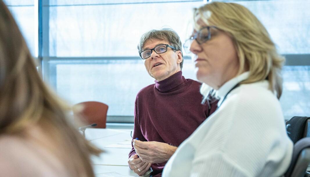 Styremedlem Einar Braathen ved OsloMet, her sammen med Hege Maria Bergersen, krever svar på hvordan hans e-post-korrespondanse med redaktør Tove Lie kom rektor Curt Rice i hende.