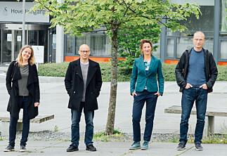 Disse fire er de første meritterte underviserne i Stavanger
