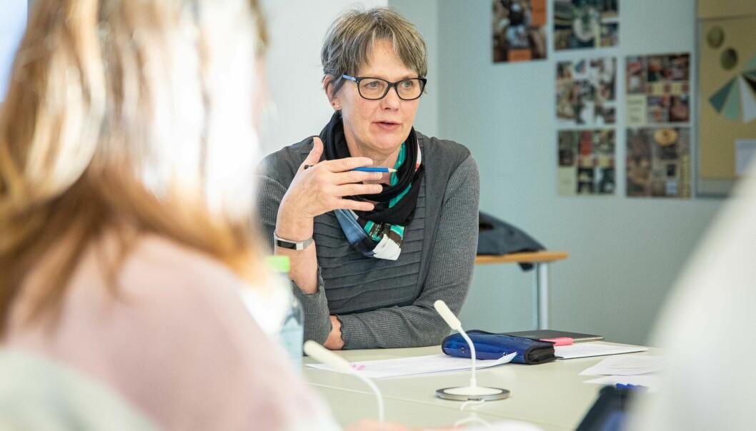 Styreleder ved OsloMet, Trine Syvertsen, går foran som et godt eksempel når det gjelder åpenhet og offentlige søkerlister, mener Khronos redaktør Tove Lie.
