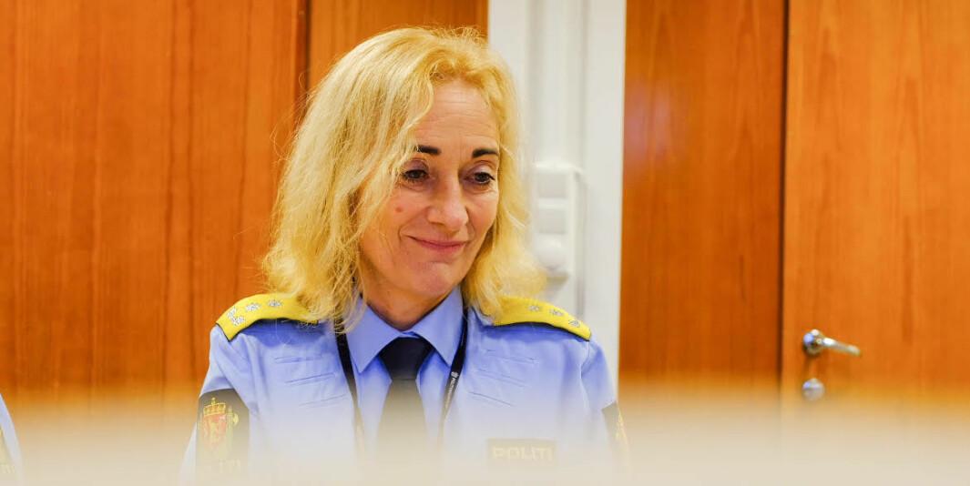 Rektor for Politihøgskolen, Nina Skarpenes, får kritikk av egne ansatte.