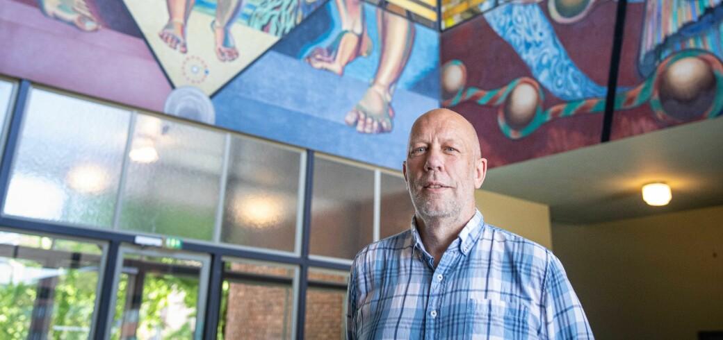 Matematikkprofessor Knut Mørken vil ta imot studenter på campus på UiO. Men det er mye som må på plass før studentene kan komme i august.
