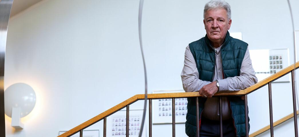 Professor Svein Larsen er for tiden er sykmeldt etter påkjenninger i tyskervitssaken. Nå får han både beklagelse og lønnsopprykk fra arbeidsgiver Universitetet i Bergen.