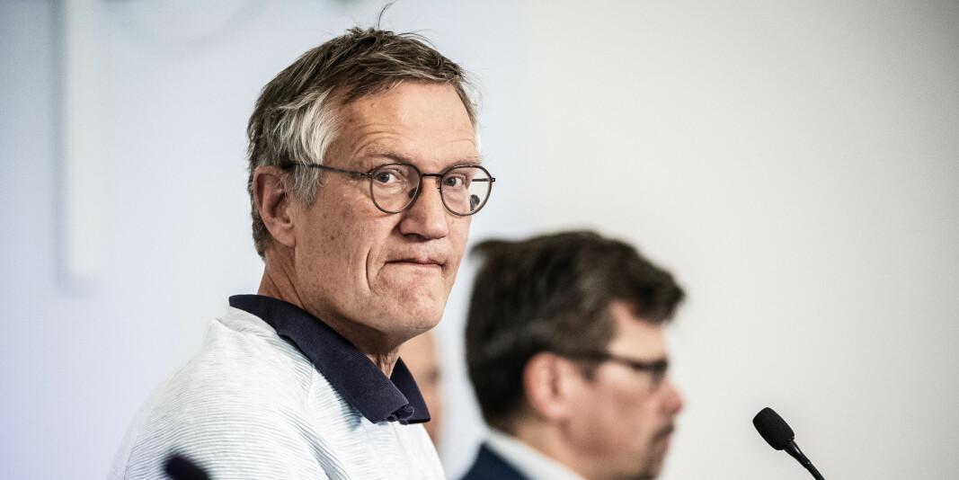 Anders Tegnell på ein av pressekonferansane. Sverige har hatt ei anna tilnærming til koronaviruset enn nabolanda.