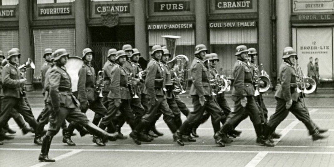 Tyske soldater marsjerer på Torgallmenningen i Bergen i 1940.