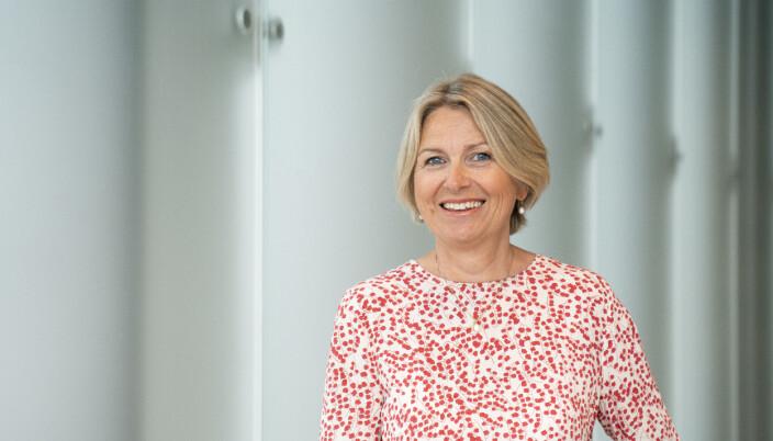 Administrerende direktør i Nokut, Kristin Vinje, mener det er verdt å bemerke at tilsynsorganet i sin tid ble opprettet for å gi universitetene og høgskolene mer tillit og autonomi. — Å bygge ned NOKUT vil også bety at Norge kan få problemer med å oppfylle sine internasjonale forpliktelser på området, sier Vinje.