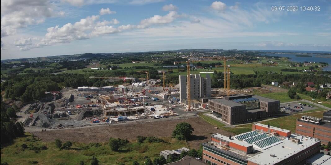 Det nye universitetssykehuset i Stavanger er under bygging på Ullandhaug og skal stå ferdig i 2023. Dette bildet er hentet fra et webkamera den 9. juli 2020.