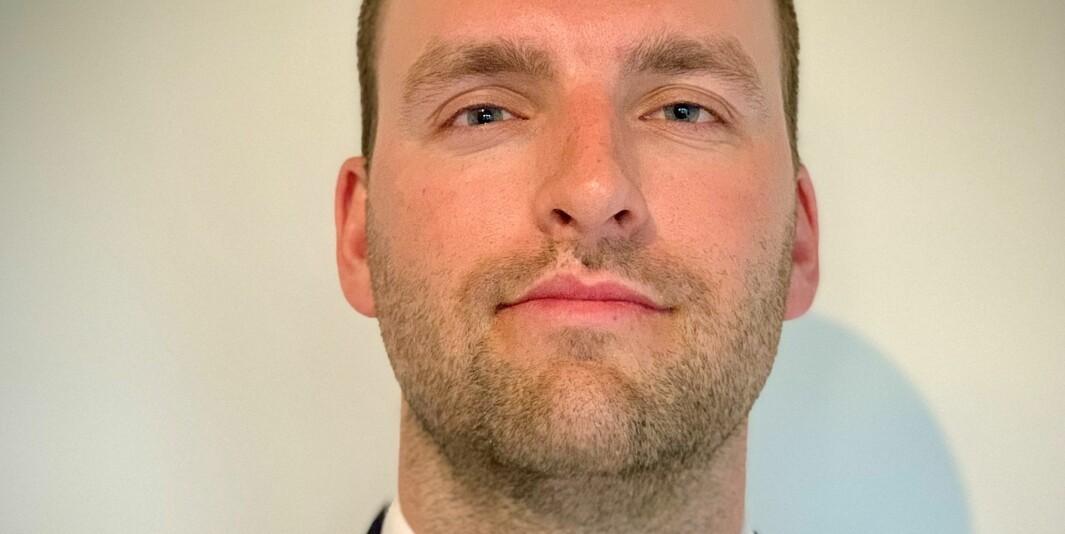 Økonom Bård Alexander Øymar opplever at filosofiutdanningen han har tatt blir verdsatt i ulik grad i finansbransjen. .