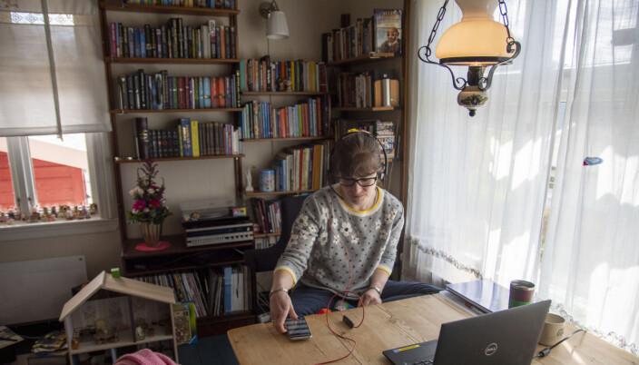 Ragnhild Iveranna Hogstad Jordahl disputerte heimefrå. Kort tid etter at ho var ferdig, kom dei første gratulasjonane. Sjølvsagt digitale, dei også.