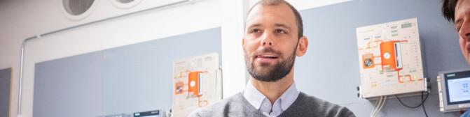 Khrono gransker toppene i akademia: Han er unntaket