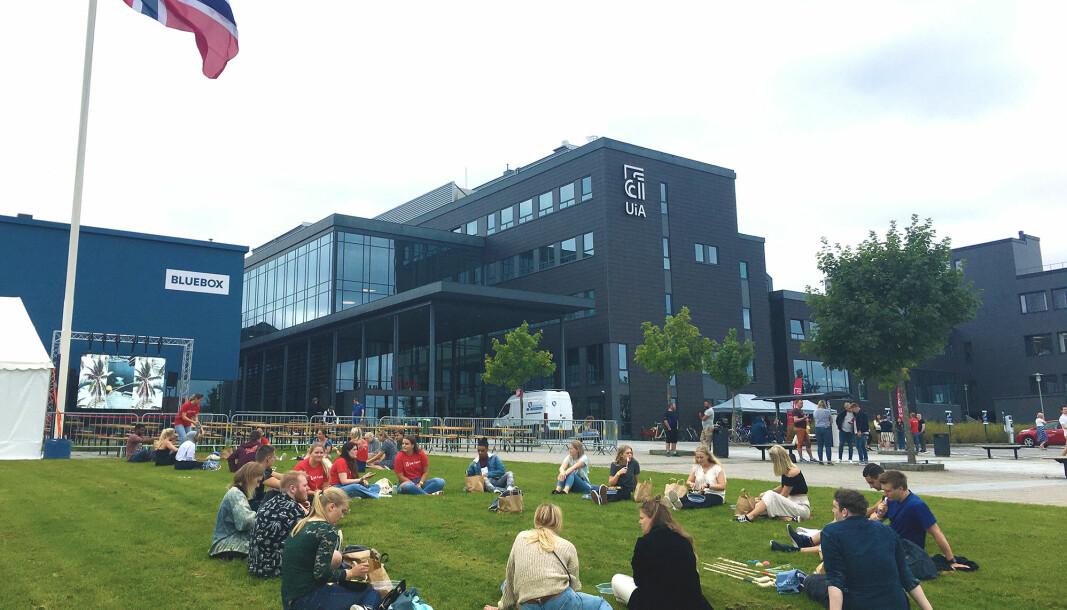 Universitetet i Agder har 55 tilfeller hvor personer har blitt utestengt fra universitetet, viser nye tall. Bildet er fra studiestart ved campus Grimstad i høst.