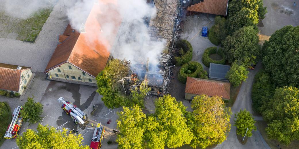 Ifølge Aftonbladet oppholdt ingen personer seg i den historiske bygningen da brannen brøt ut.