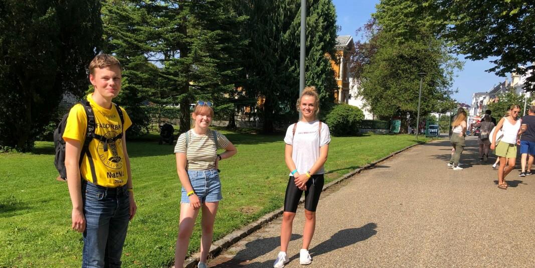 Alexander Bjerga, Karen Maria Dæhli og Johanne Holmøy (t.v.) er ferske matematikkstudenter.