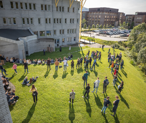 Universitetenes samfunnsansvar for nyutdannede kandidater