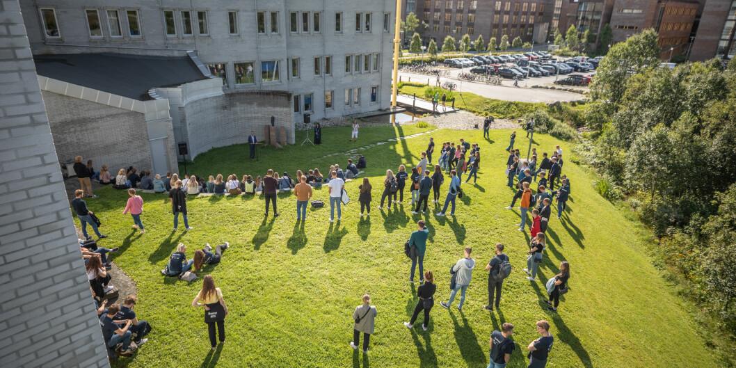 UiT Norges arktiske universitet kaller studentene tilbake til campus. Her fra semesterstart i Tromsø i år.