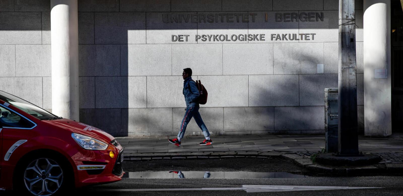 Den tyske studenten mener systemet for varsling ved Universitetet i Bergen må forbedres og tilliten til det gjenopprettes. Dette er et illustrasjonsfoto av Det psykologiske fakultet.