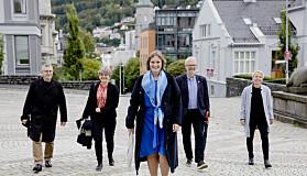 Oddrun Samdal vil også bli rektor. ved UiB, her sammen med sitt team F.v.: Arne Tjølsen, Ragnhild Louise Muriaas, Oddrun Samdal, Nils Gunnar Kvamstø og Camilla Brautaset.