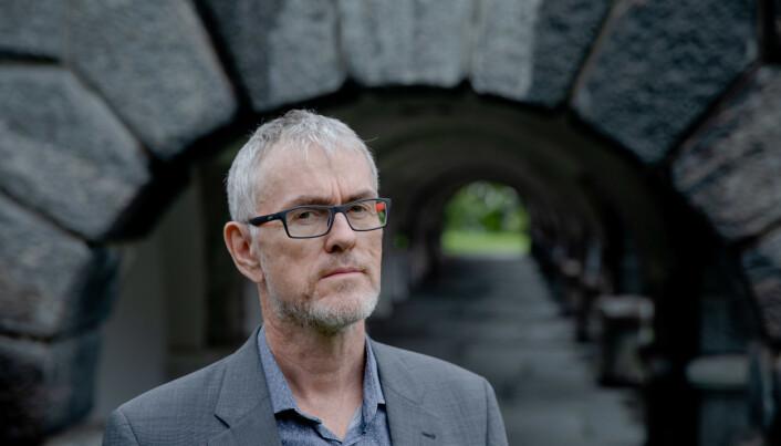 Hovedtillitsvalgt i Forskerforbundet ved Universitetet i Bergen, Steinar Vagstad, har tidligere vært skeptisk til koronabonus, men vil nå ta opp koronagodtgjørelse på neste møte med universitetsledelsen.