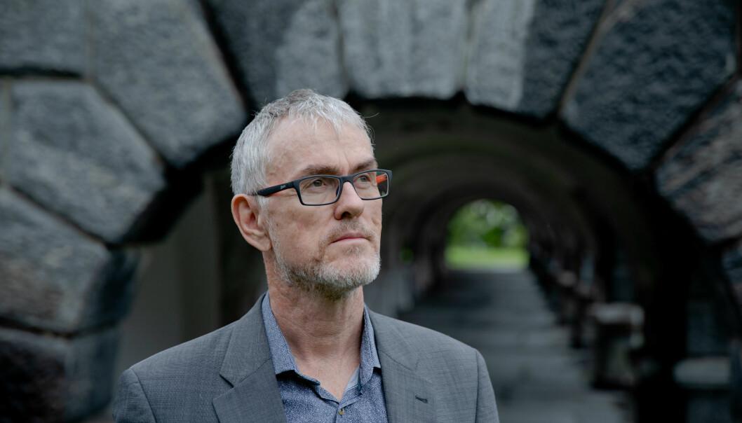 Det ryddigaste er at Dag Rune Olsen trer av med ein gong, seier Steinar Vagstad i Forskerforbundet.