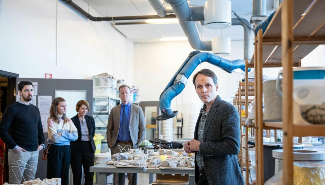 Omvisning på produktdesign på OsloMets campus på Kjeller. Foto: Siri Øverland Eriksen