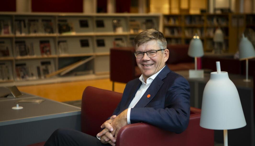 Rektor ved Universitetet i Oslo, Svein Stølen, syns det er gledelig at studentene kan komme tilbake til campus.