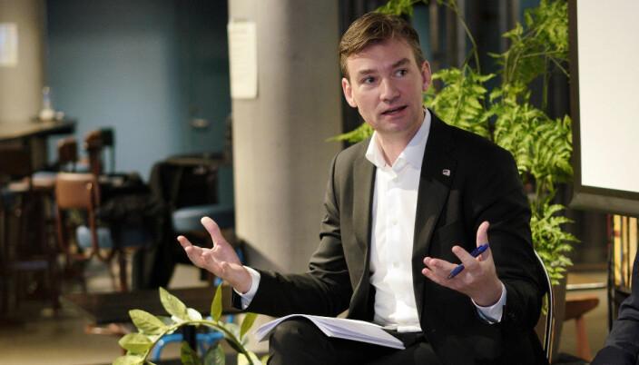 Forsknings- og høyere utdanningsminister Henrik Asheim meiner kunnskapsdeling vil auke tilliten til forskinga ved universiteta og høgskulane.