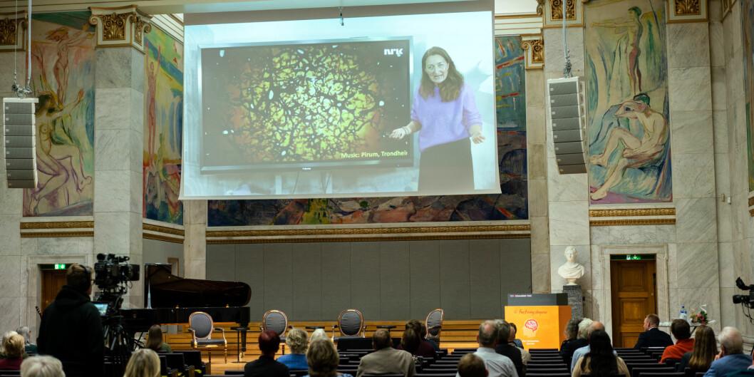 Åpning av Forskningsdagene i Universitetets aula. May-Britt Moser holdt videoforedrag om sin hjernefoirskning.