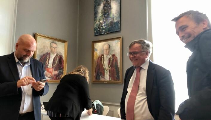 Avtroppande kommunikasjonsdirektør Tor Godal, avtroppande universitetsdirektør Kjell Bernstrøm og styremedlem Jørgen Melve etter dagens styremøte.