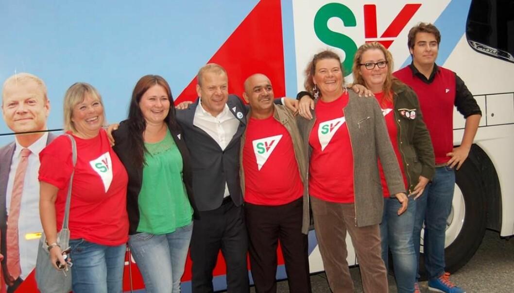 Her er bilde fra Lier SVs valgkamp i 2013. Aihan Jaf (nr 4 f.h.) ved siden av daværende SV-topp Heikki Holmås.