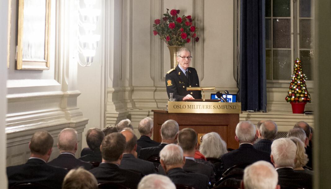 Tidligere assisterende politidirektør, Vidar Refvik, har ledet arbeidet med å få laget en politihistorie ved siden av pensjonisttilværelsen.