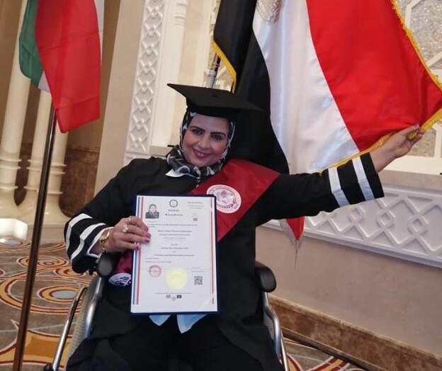 Maktpolitikere og biskop med diplom fra falske universiteter
