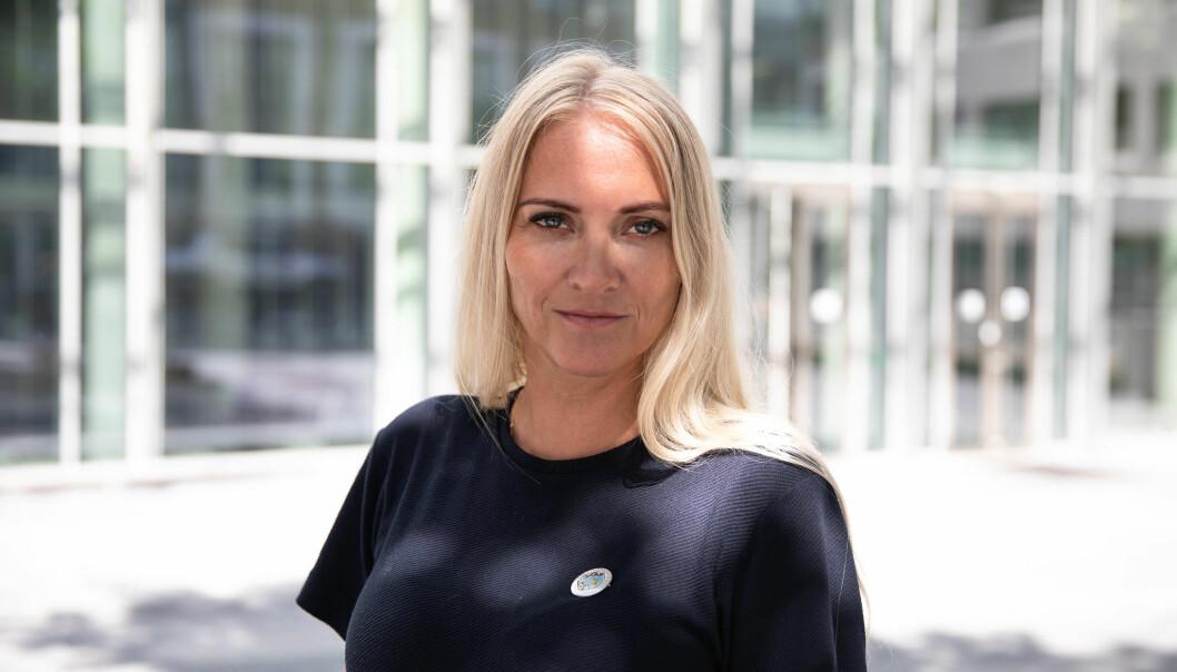 Leder i Norsk sykepleierforbund, Lill Sverresdatter Larsen, mener sykepleierne har krav på å få tatt opp igjen eksamenene fra gamle rammeplaner.