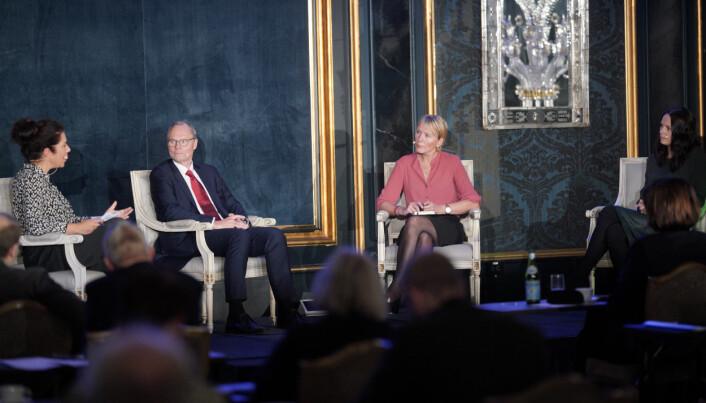 Panelsamtale om akademisk frihet, med blant andre prisevinner Hans Petter Graver og prorektor ved UiB Margareth Hagen og Åse Horrigmo.